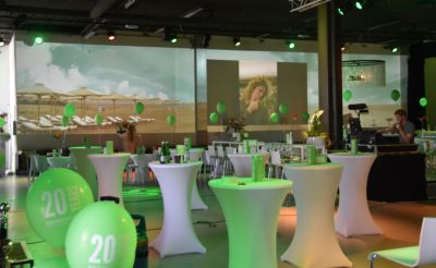 bild_background_seitenprojektion_fassadenprojektion_eventtechnik_veranstaltungstechnik_1_starlite_eventhall_eventlocation_eventlokal_event_hall_location_lokal_venue_rapperswil_jona_zuerichsee